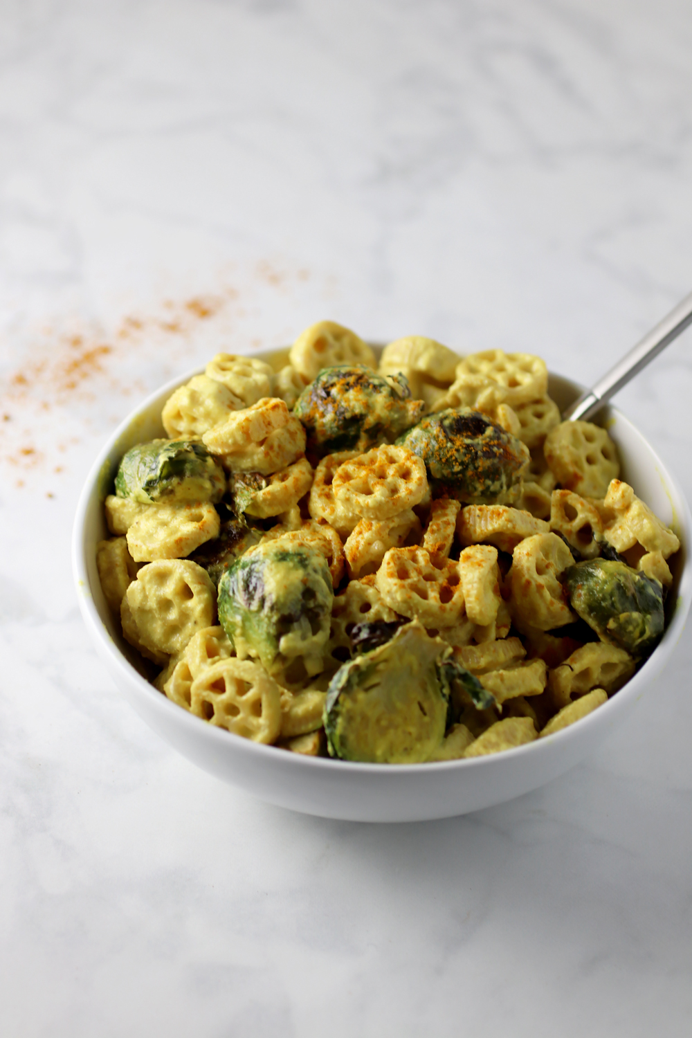 Creamy Vegan Turmeric Mac and Cheese