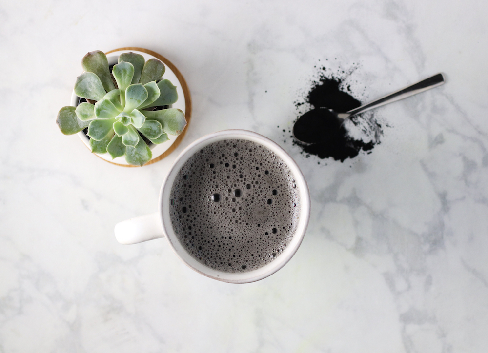 activated-charcoal-latte