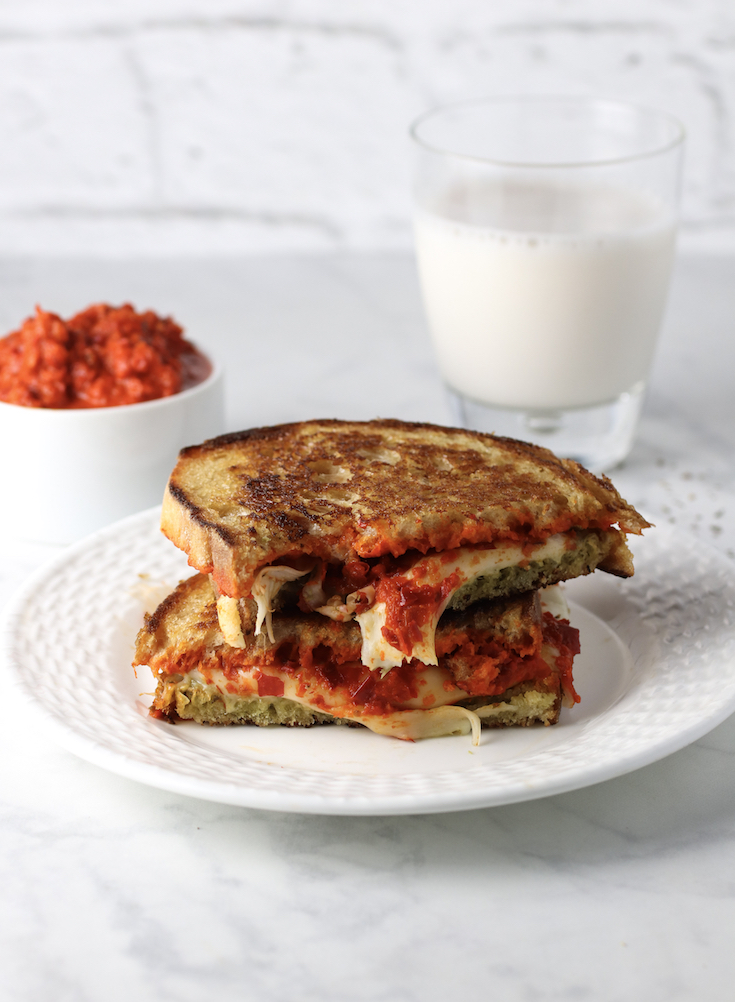roasted-red-pepper-and-basil-grilled-cheese