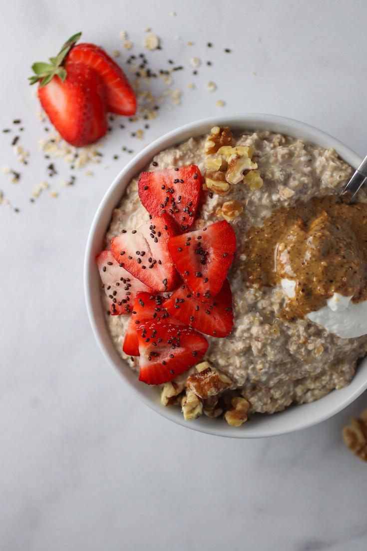 creamy chia overnight oats