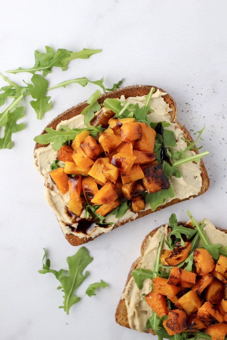 butternut-sqush-arugula-and-hummus-toast-3