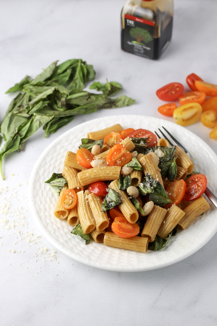 fresh tomato basil and white bean pasta
