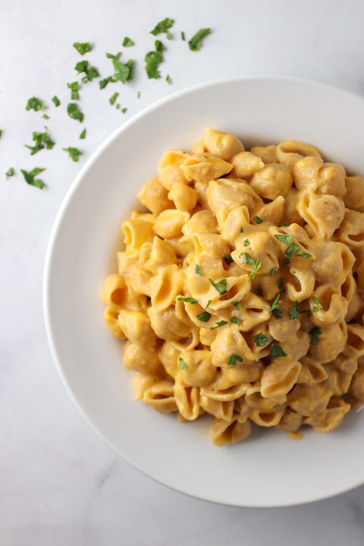 creamy greek yogurt mac & cheese