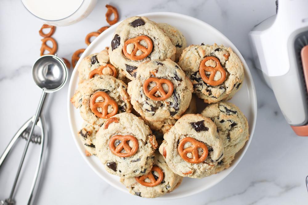 gluten free chocolate chip pretzel cookies